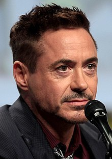 220px-Robert_Downey_Jr_2014_Comic_Con_(cropped).jpg
